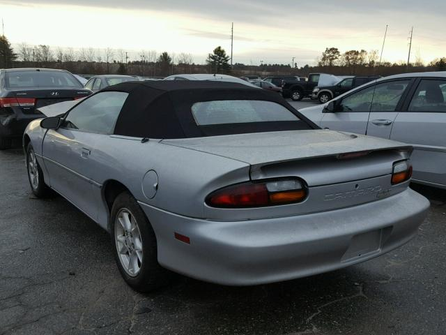 2G1FP32K622168466 - 2002 CHEVROLET CAMARO SILVER photo 3