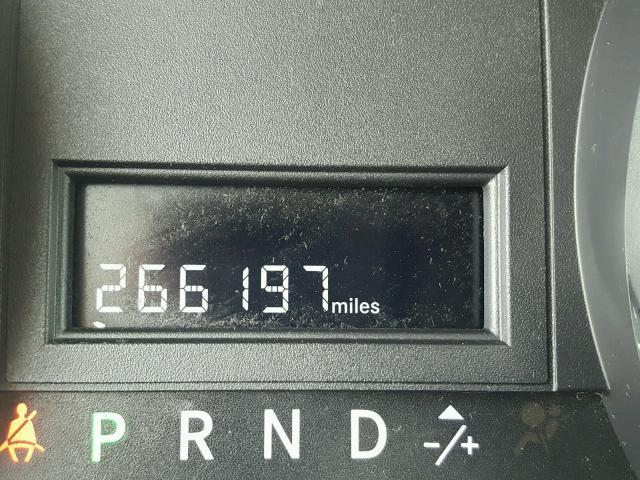 2D4RN3DG1BR639033 - 2011 DODGE GRAND CARA SILVER photo 8