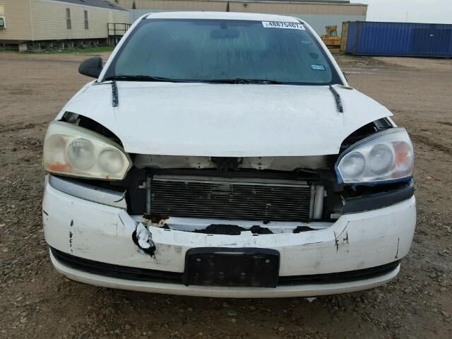 1G1ZT52845F256556 - 2005 CHEVROLET MALIBU LS WHITE photo 9