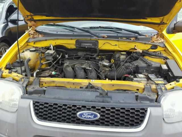 1FMYU04161KB60993 - 2001 FORD ESCAPE XLT YELLOW photo 7