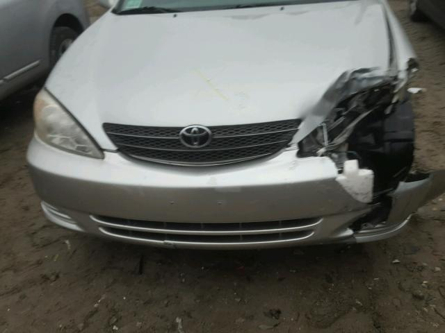 4T1BE32K64U273464 - 2004 TOYOTA CAMRY LE GRAY photo 9
