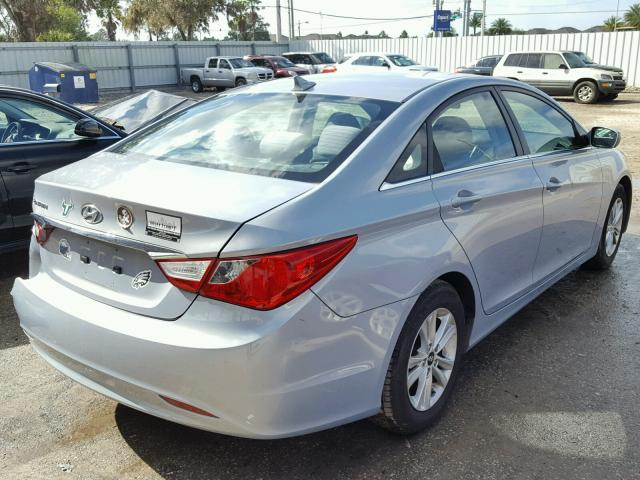 5NPEB4AC3BH025500   2011 HYUNDAI SONATA GLS BLUE Photo 4