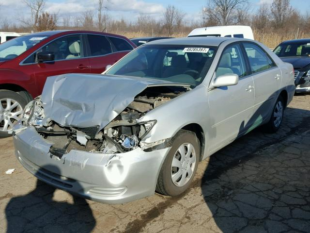 4T1BE32K03U141752 - 2003 TOYOTA CAMRY LE SILVER photo 2