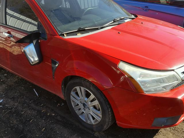 1FAHP35NX8W177125 - 2008 FORD FOCUS SE RED photo 9
