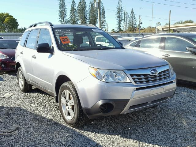 JF2SHABC6DH404363 - 2013 SUBARU FORESTER 2 SILVER photo 1