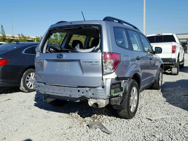 JF2SHABC6DH404363 - 2013 SUBARU FORESTER 2 SILVER photo 4
