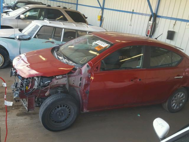 3N1CN7APXCL858783 - 2012 NISSAN VERSA S RED photo 9