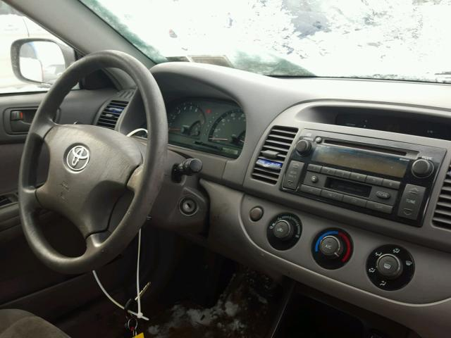 4T1BE32K02U595384 - 2002 TOYOTA CAMRY LE GRAY photo 9
