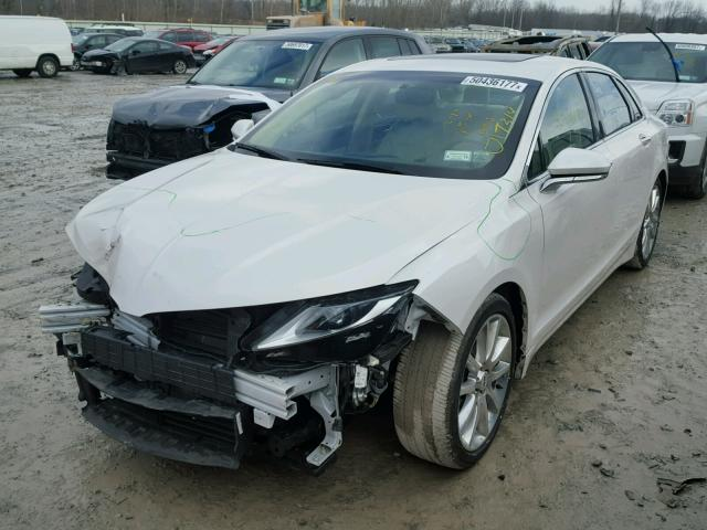 3LN6L2LU3FR600334 - 2015 LINCOLN MKZ HYBRID WHITE photo 2