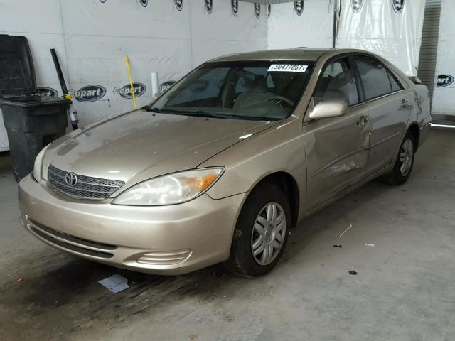 4T1BE32K43U675045 - 2003 TOYOTA CAMRY LE GOLD photo 2