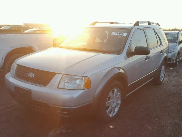 1FMZK04105GA32767 - 2005 FORD FREESTYLE SILVER photo 2