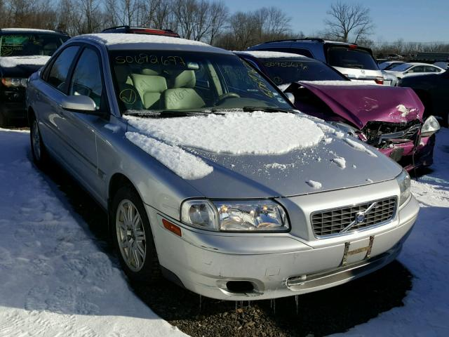 YV1TS592651406014 - 2005 VOLVO S80 2.5T SILVER photo 1