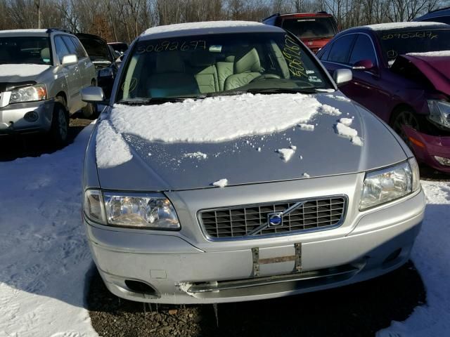 YV1TS592651406014 - 2005 VOLVO S80 2.5T SILVER photo 9