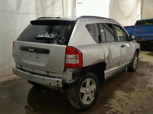 1J4FF47B19D219458 - 2009 JEEP COMPASS SP SILVER photo 4