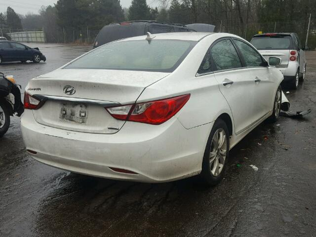 5NPEC4AC8BH237127   2011 HYUNDAI SONATA SE WHITE Photo 4