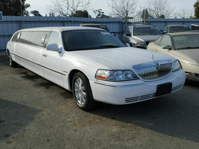 1L1FM81W24Y667012 - 2004 LINCOLN TOWN CAR E WHITE photo 1
