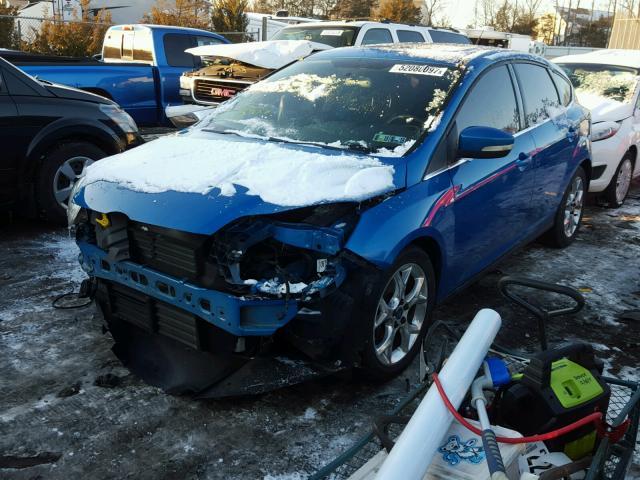 1FAHP3M22CL117406 - 2012 FORD FOCUS SEL BLUE photo 2