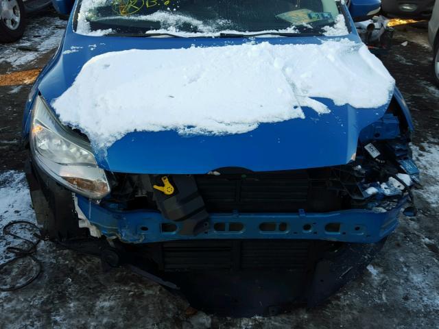 1FAHP3M22CL117406 - 2012 FORD FOCUS SEL BLUE photo 7
