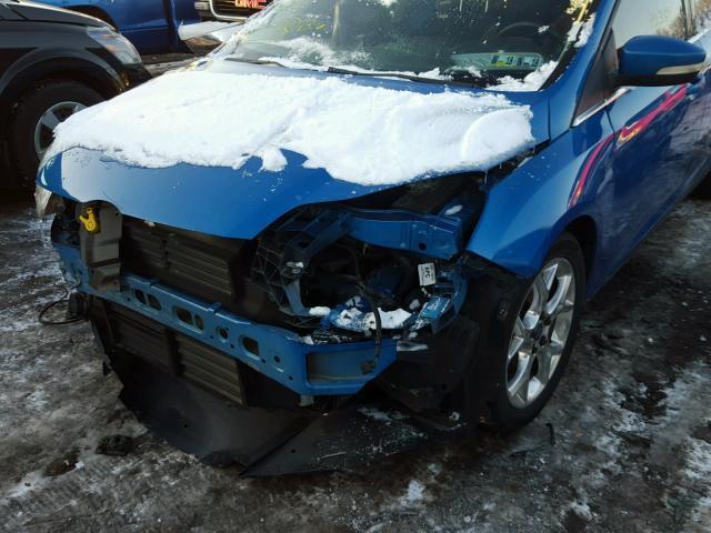 1FAHP3M22CL117406 - 2012 FORD FOCUS SEL BLUE photo 9