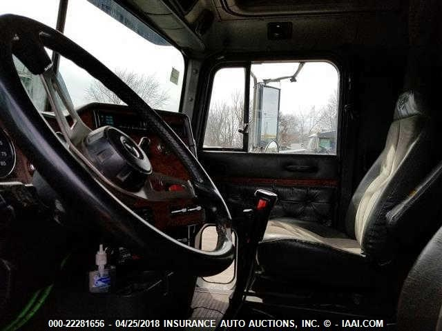 2HSFHASR8TC051027 - 1996 INTERNATIONAL 9400  TRACTOR ONLY  BLUE photo 5