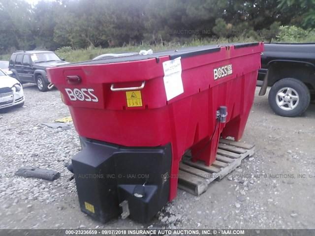 VB15618 - 2016 BOSS VBX9000 SPREADER  RED photo 2